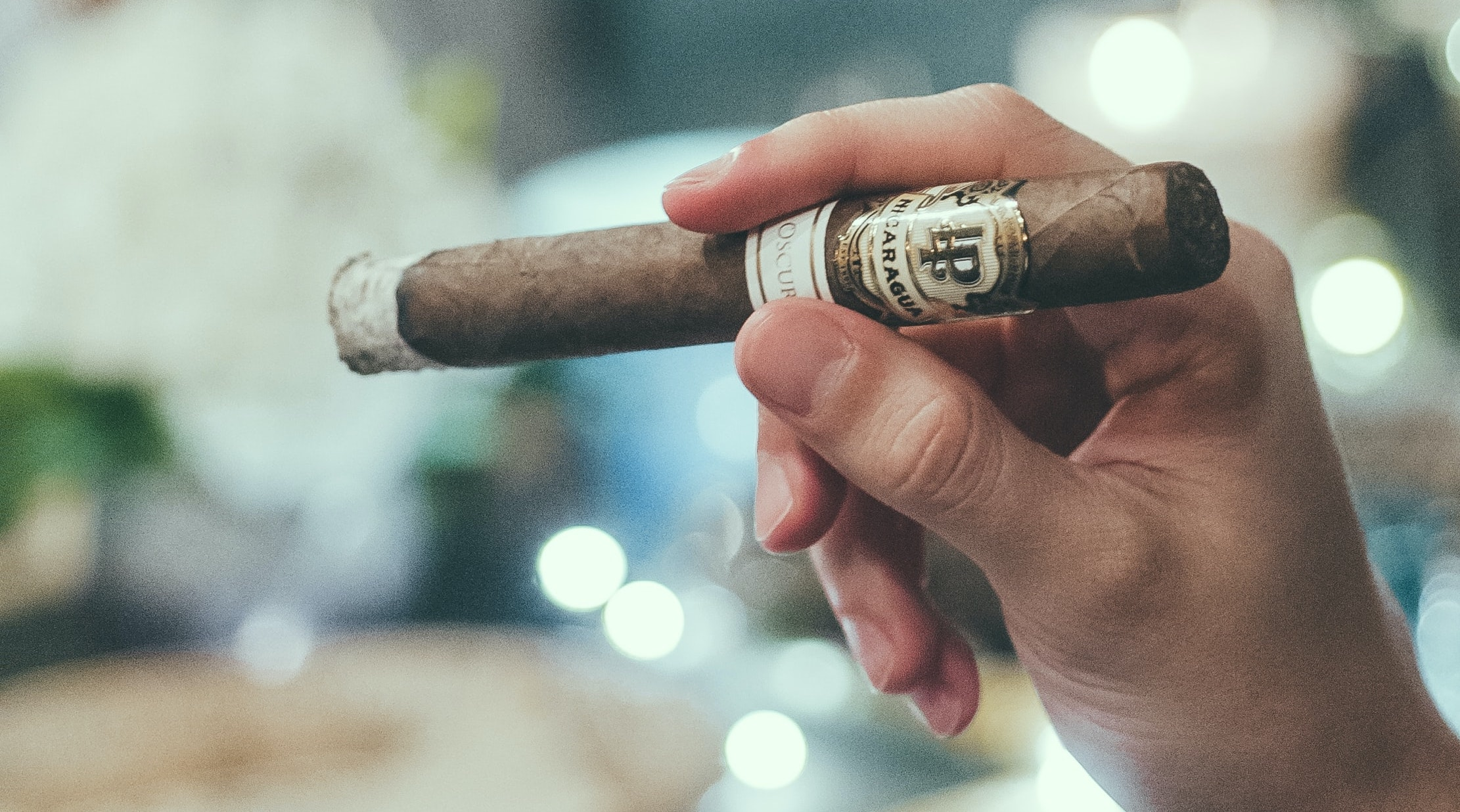How to Smoke a Cigar in Winter