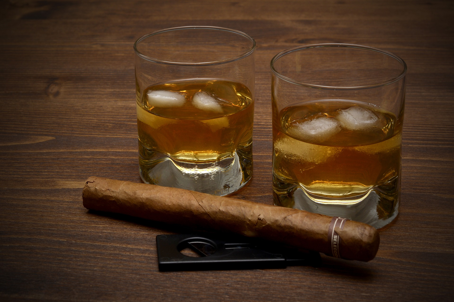 How to Pair Whisky with Cigars